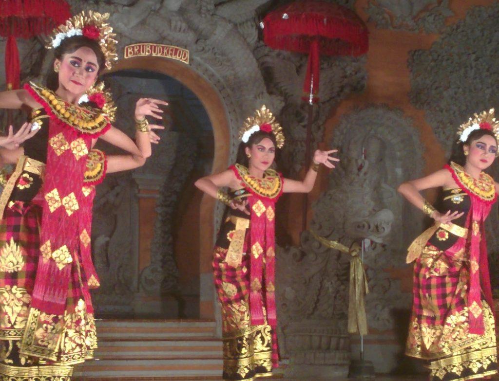 バリ島ウブドの民族舞踊